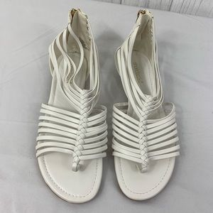 🎯 SHOE DAZZLE NWOT BENITA WHITE SANDALS 11